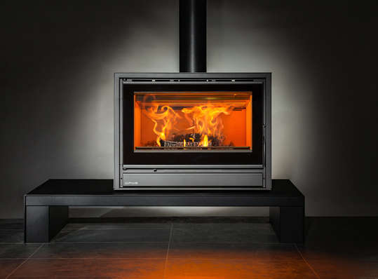 Opus Tempo 80 stove on bench