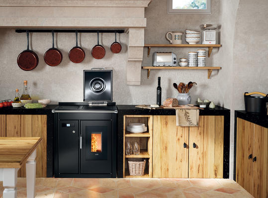 Smart 80 BT wood pellet cooker in black